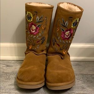 Ugg Embroidered boots